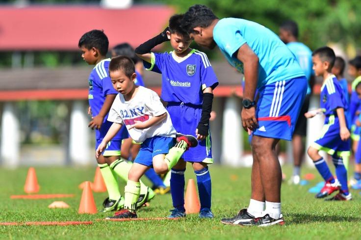 Coach Bola Sepak - Coach Ibrahim 01.jpeg